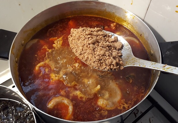 making ogbono soup